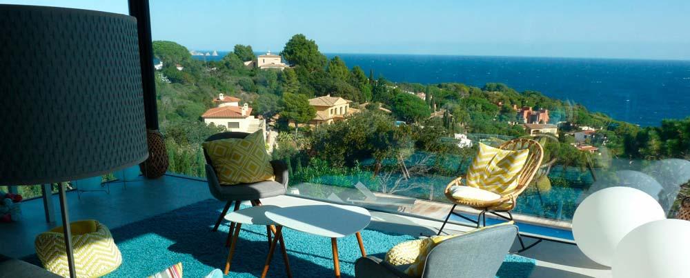 Location vacances belle villa de luxe avec piscine privée, vue sur la mer