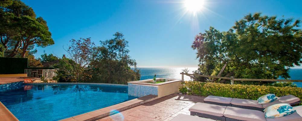 Location villa Costa Brava à Blanes. Belles villas à louer sur la Costa Brava et découvrez la région de Blanes.