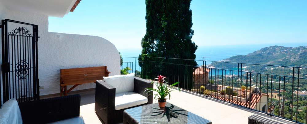 Belle villa avec piscine privée et vue mer à louer pour les vacances à Begur Aiguablava sur la Costa Brava.