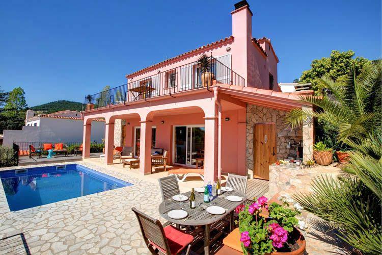 Location villas avec piscine begur vacances begur for Location saisonniere villa