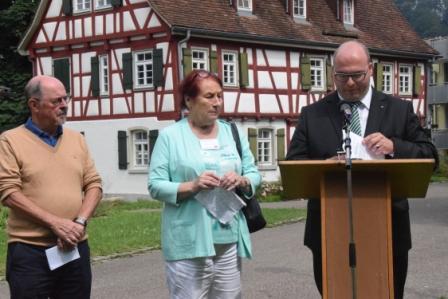 Remise de la médialle de la ville à Michèle Hartmann