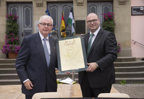 Remise à Murrhardt de la plaquette de l'Europe