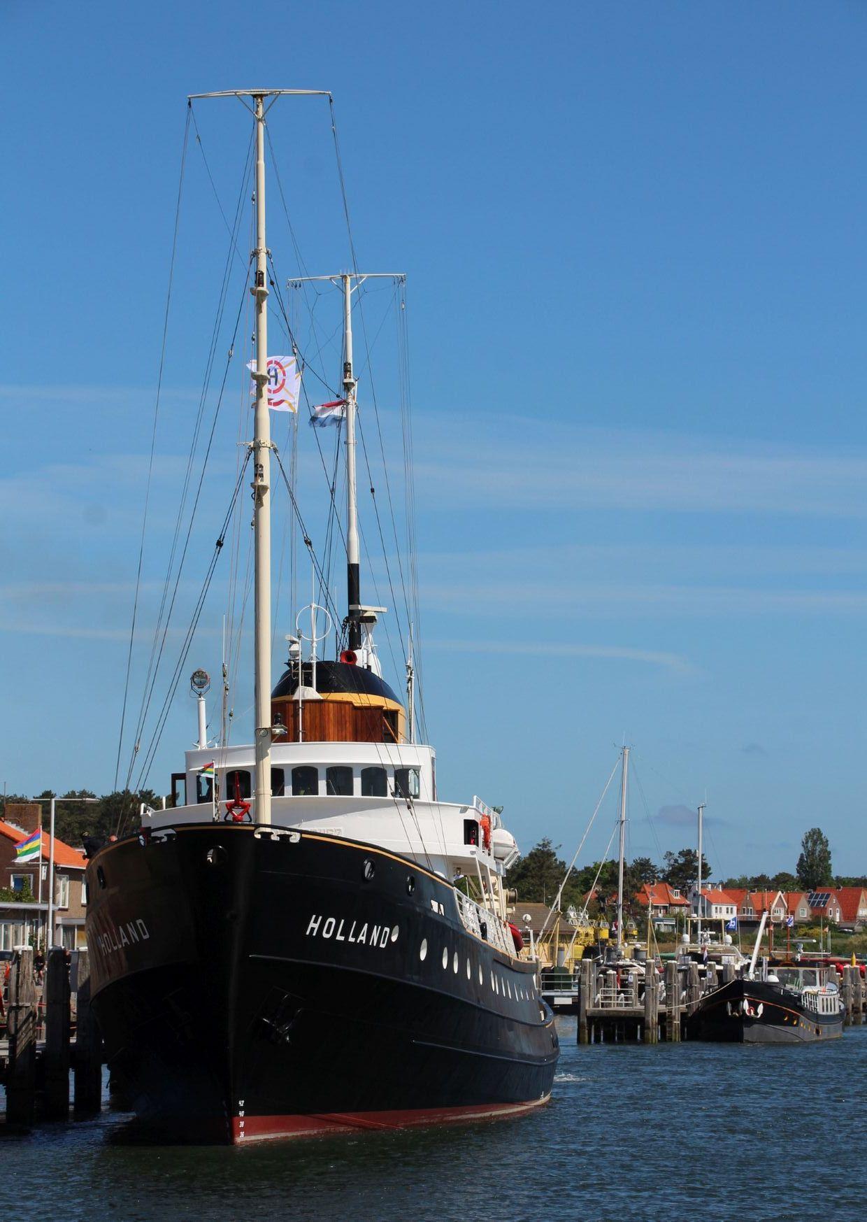 Zeesleepboot Holland door Piet Sytema