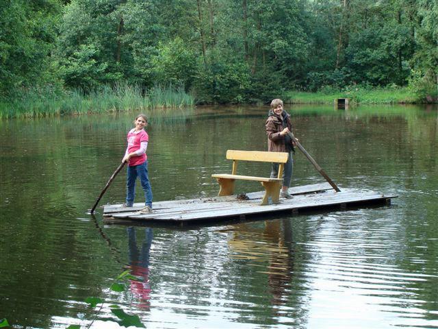 Unser Weiher: Ein Paradies für Angler und ideal zum Flossfahren