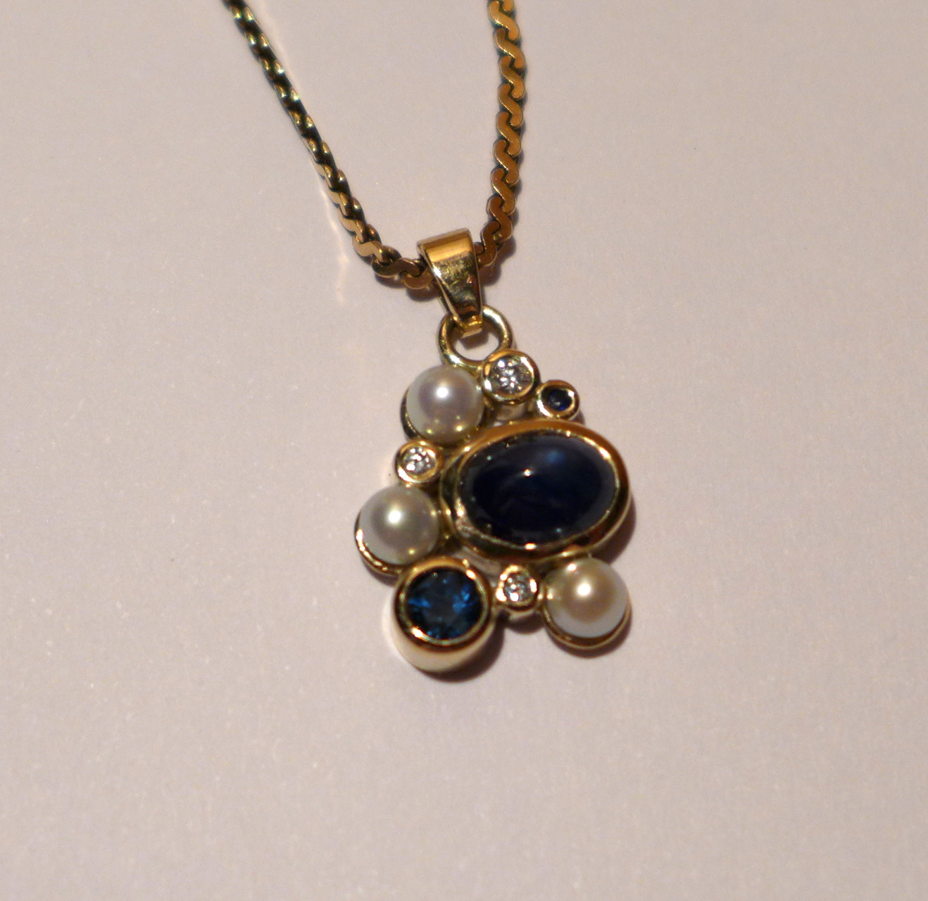 Pendant, 14k yellow gold, sapphires, diamonds, freshwater pearls