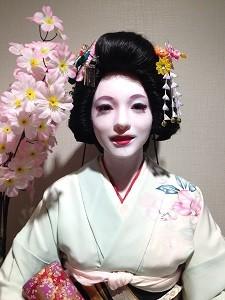京都の舞妓さん……かもしれない美女?