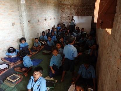 インド農村部の小学校授業風景