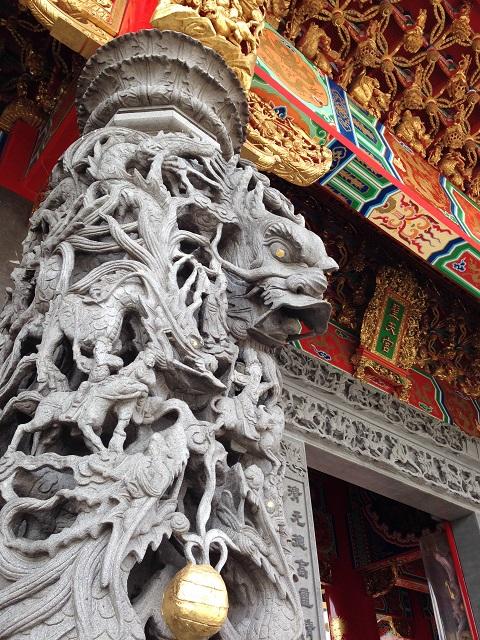 埼玉県坂戸市・聖天宮の石柱