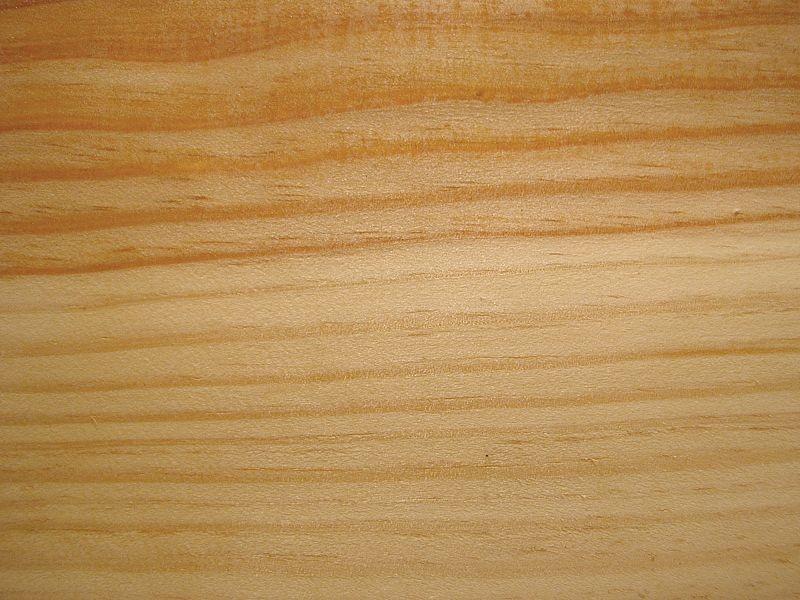 Kiefer - hell, leicht gelblich-weich-Kisten/Verpackungen, Möbel, Fenster, Türen, Masten, Bauholz