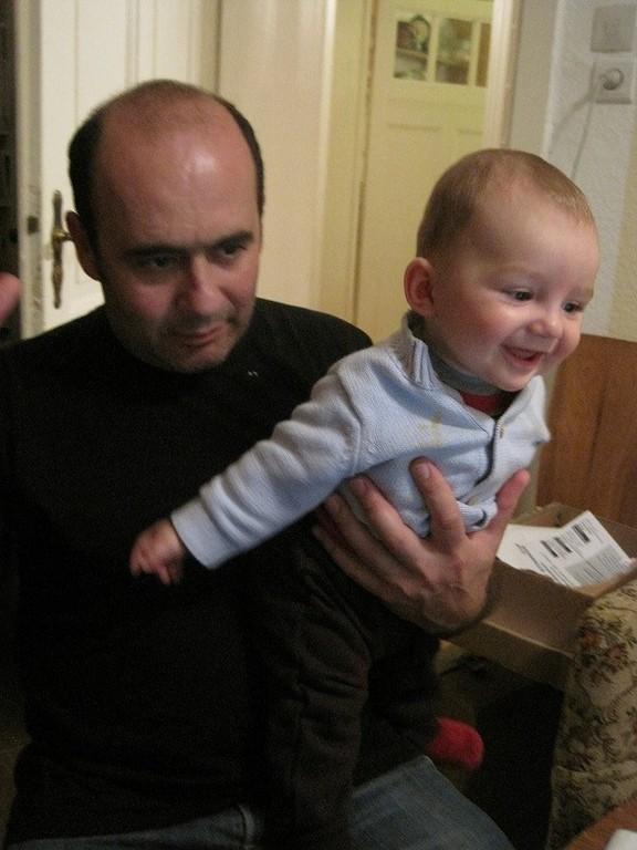 ディエゴ、とってもいいパパです。