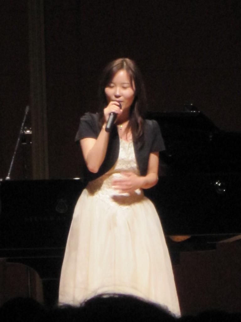宮島街道ふれあいコンサート、坪北紗綾香せむぱいのコンサートへ。お母様の26年前のドレスを着用!せんぱい素敵ですっ