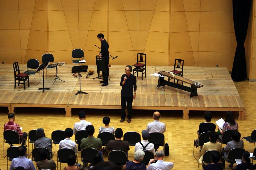 こちらが主催者の森島吉美先生です。私は初め、女性の方だと思ってたんです。