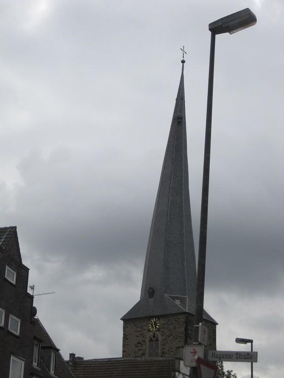 お気づきでしょうか?600年くらい歴史があるこの教会。帽子がだんだん傾いてきたんですって(笑)ライクピッサ~!とか言って大爆笑