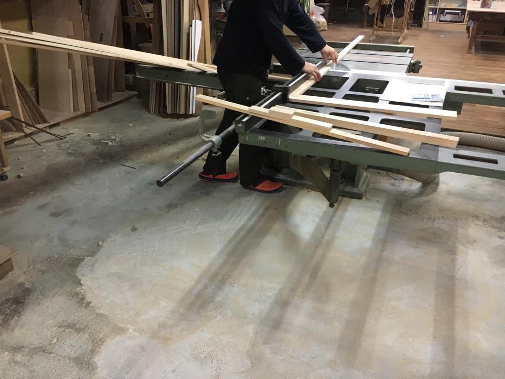 製作の様子 台車 木材のカット
