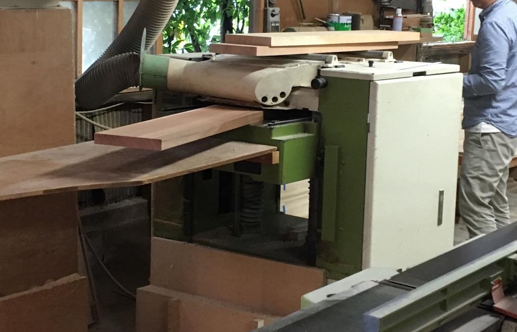 製作の様子 板厚の加工