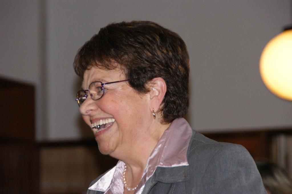 Altres profes també hi eren presents a la sala: Pilar Robles.