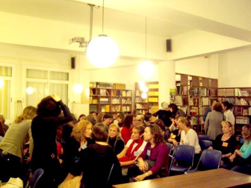 A la biblioteca