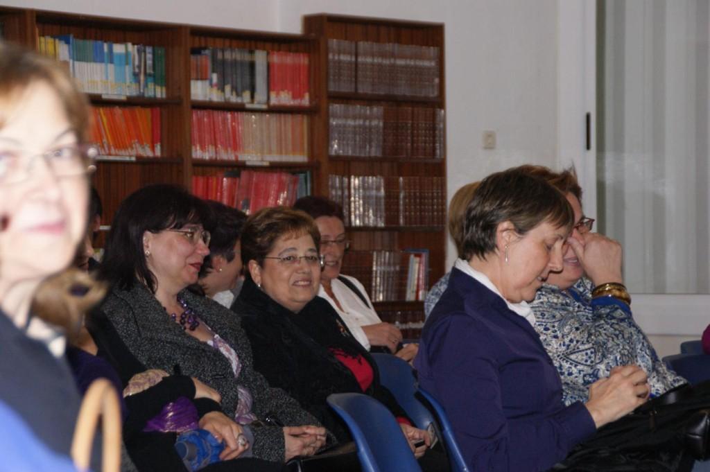 Altres antics profes també hi eren presents: Margarita Bartolomé,  Mercedes Ferrer, Rosa Arnalot, Aurora Ramos.