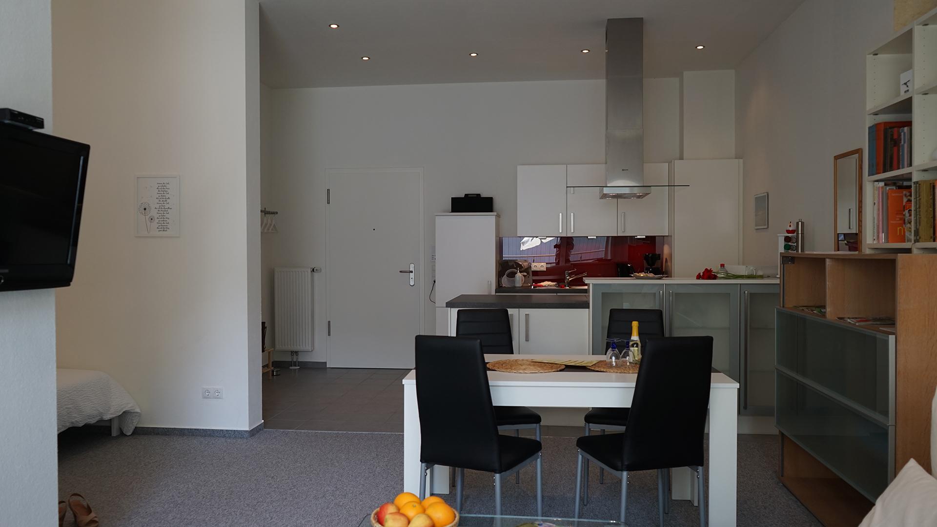 Holiday apartments on Lake Constance: Deluxe - Dining & Cooking