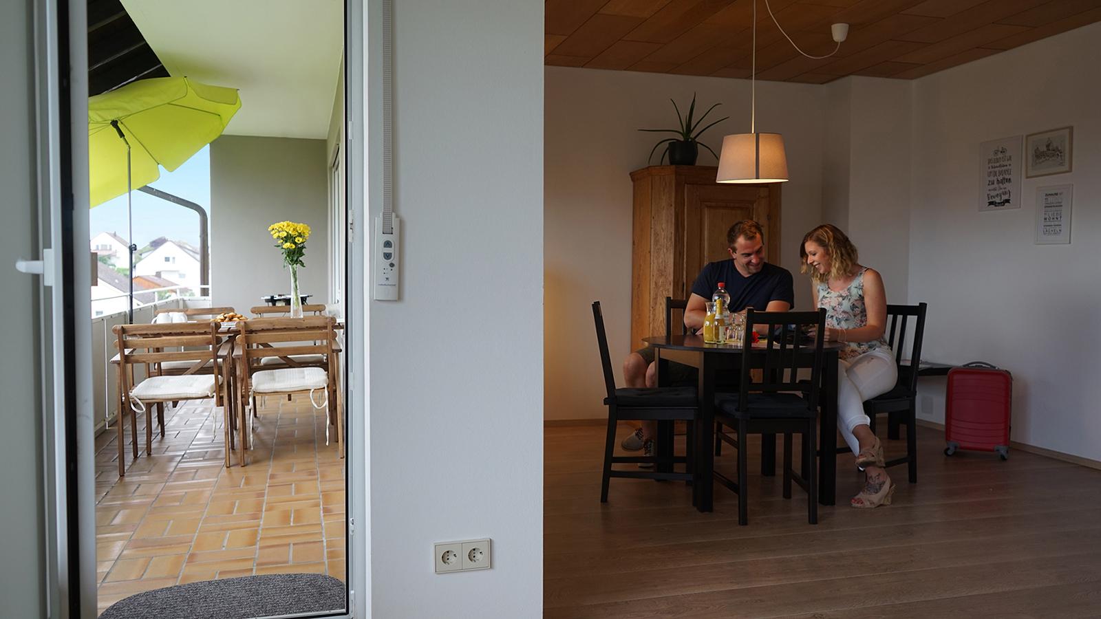 Ferienwohnung am Bodensee: Weitblick - Essbereich & Balkon