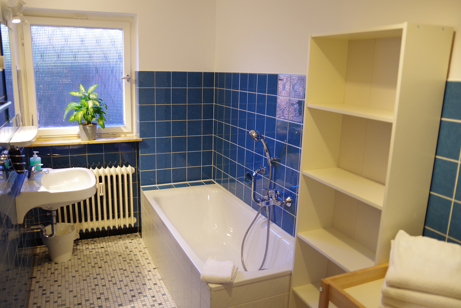 Holiday apartments on Lake Constance: Familienhafen - Bathroom