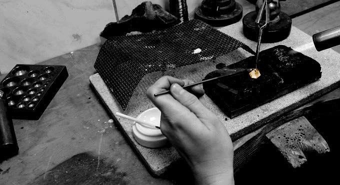Rustikalen, mechanischen Designs mit einer zarten Ästhetik - Jac Design