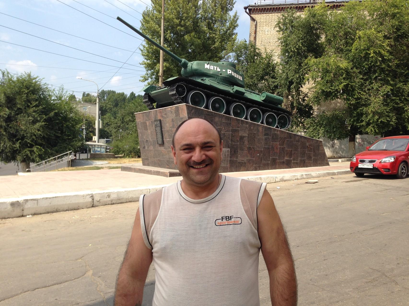 В Саратове на СХИ есть такой памятник!