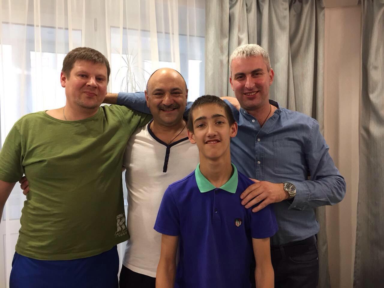 С зятьями, Данилой и Димой, и племянником Владиком