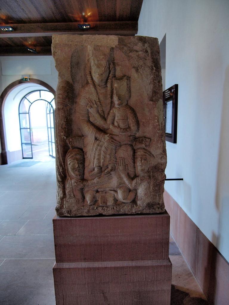 Vierge à l'enfant et les abbesses Relinde et Herrade