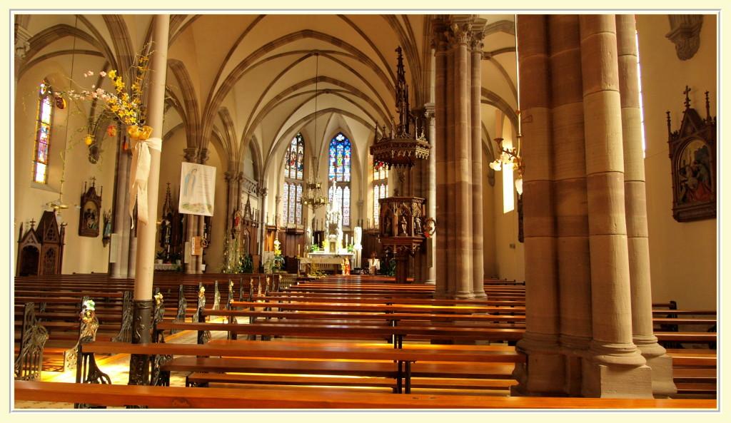 Intérieur de l'église Saint Laurent de Roderen