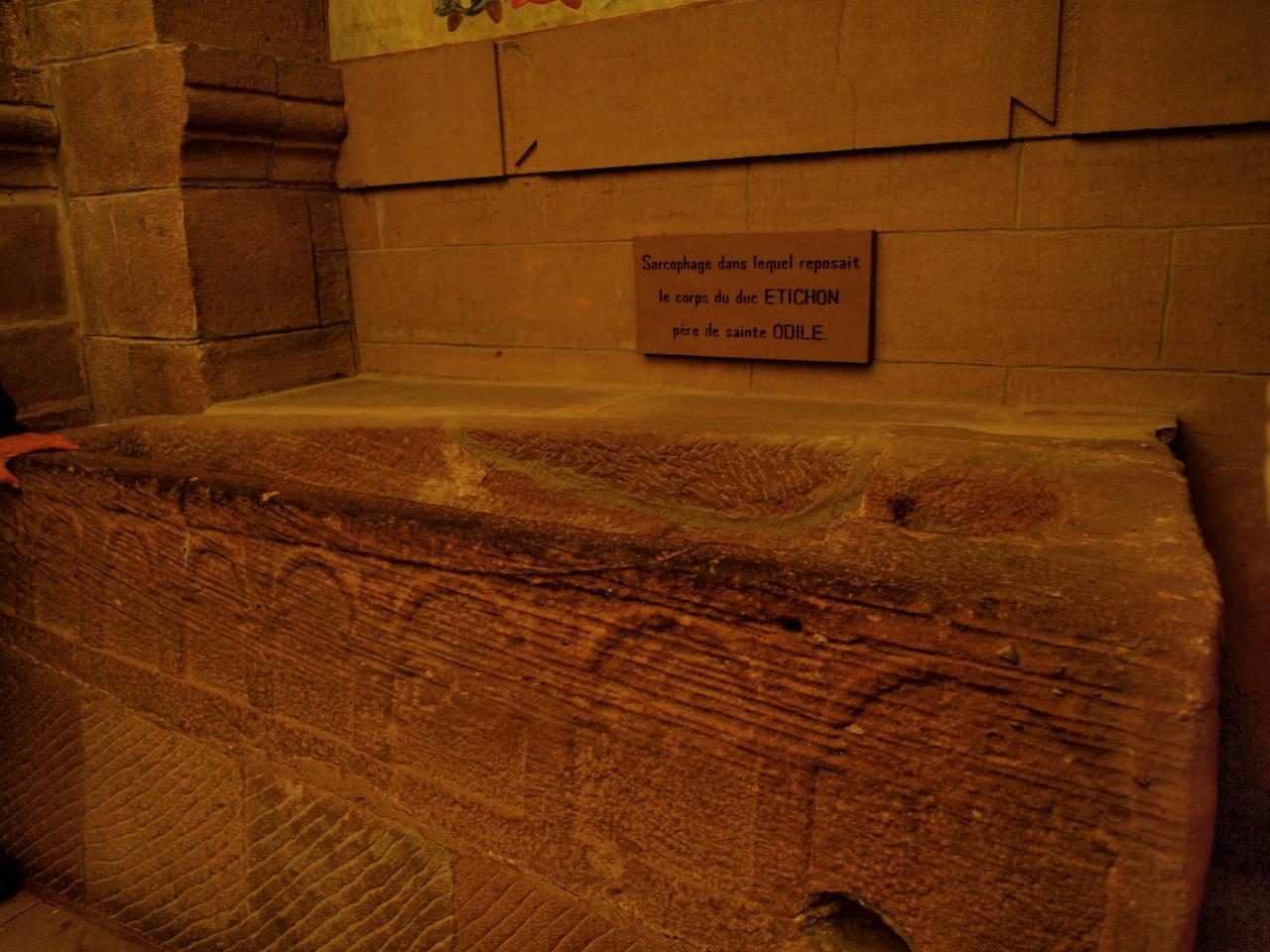 Le sarcophage du Duc d'Alsace