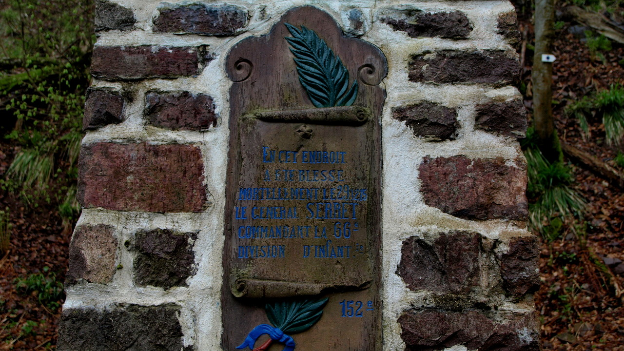 Monument Serret