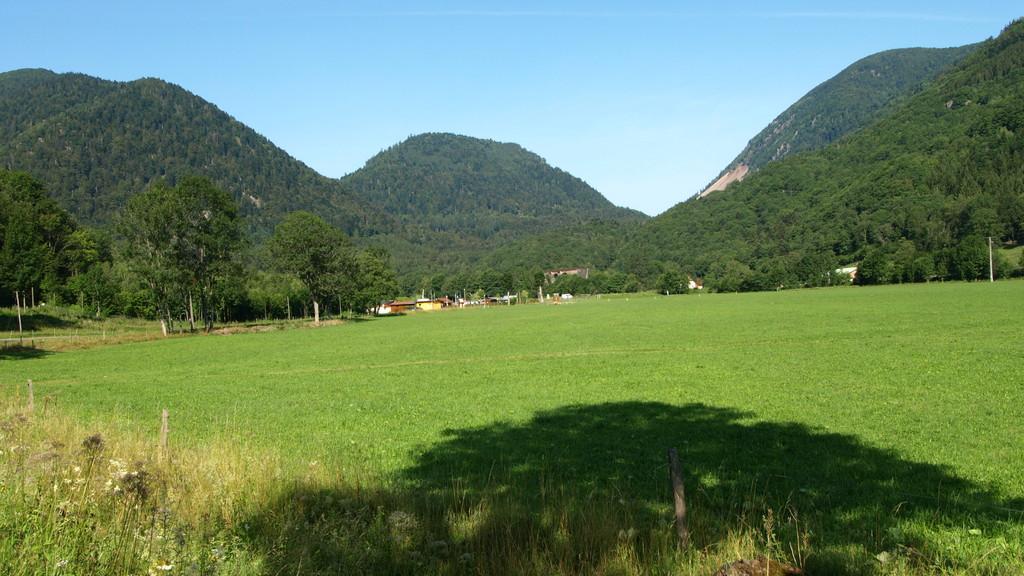 Vers le col du Bussang au loin le viaduc d'Urbès