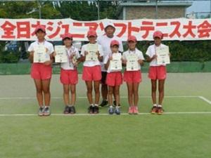 左から2人目 和田陽菜乃(岡本西小)、5人目 小平帆乃香(岡本西小)