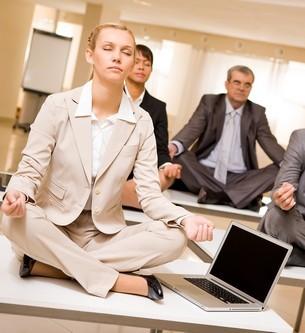Das Ziel des Autogenen Trainings ist es, innerhalb von wenigen Minuten durch konzentrative Selbstentspannung (Selbsthypnose) einen schlafähnlichen Zustand zu erreichen, in dem sich eine tiefe Entspannung einstellt.