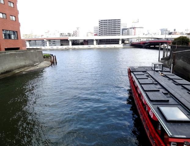 神田川が隅田川と合流します 台東区柳橋1丁目