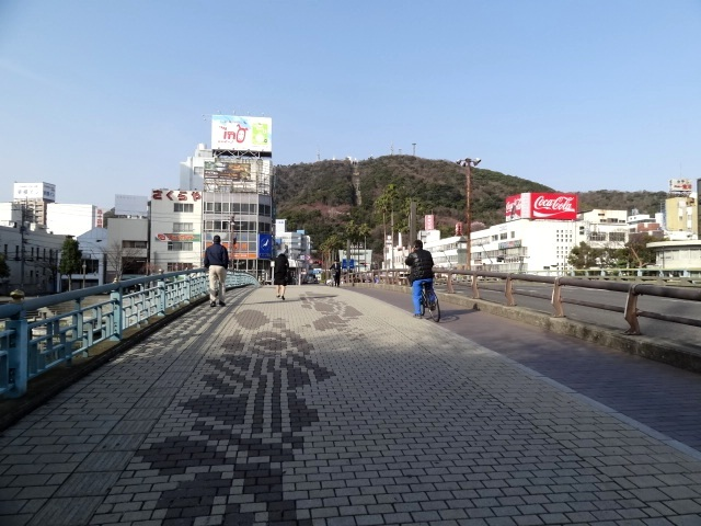 お決まり、新町橋からの眉山