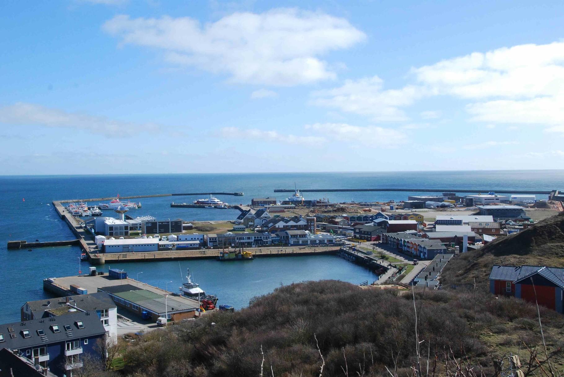 Hafengelände auf Helgoland