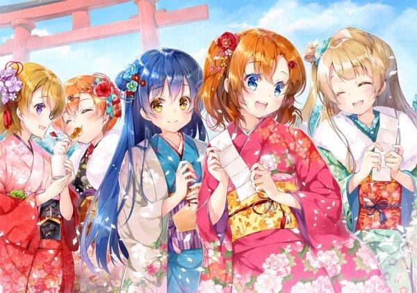 Fan art du manga Love Live: Source: http://taigong788.skyrock.com/3240621877-Le-Nouvel-An-au-Japon.html
