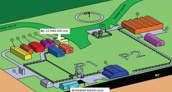 Notre hangar est le numéro 3. Passez devant le restaurant sur votre gauche et suivez le chemin. Vous pouvez venir en voiture jusqu'à notre hangar.