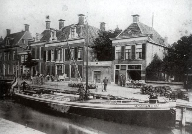 """""""Generaal de Wet II"""" aan het Noordijs te Harlingen (foto: Harlingen, mien stadsje 4)"""