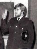 Simon de Vries in uniform Vrijwillige Politie.