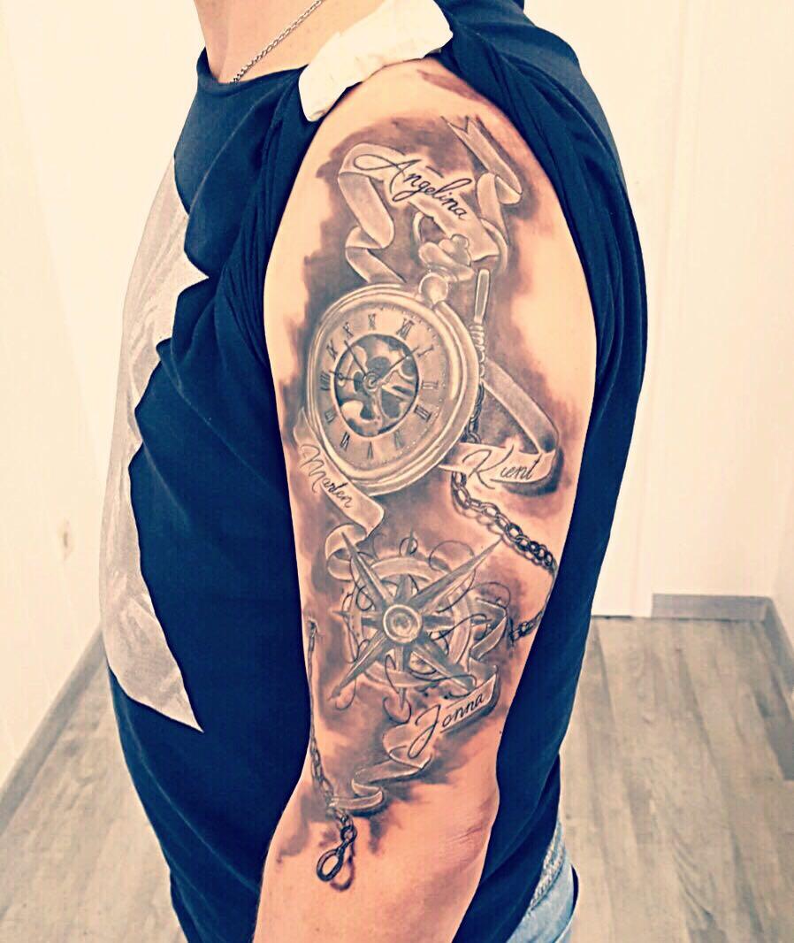 Taschenuhr windrose Tattoo