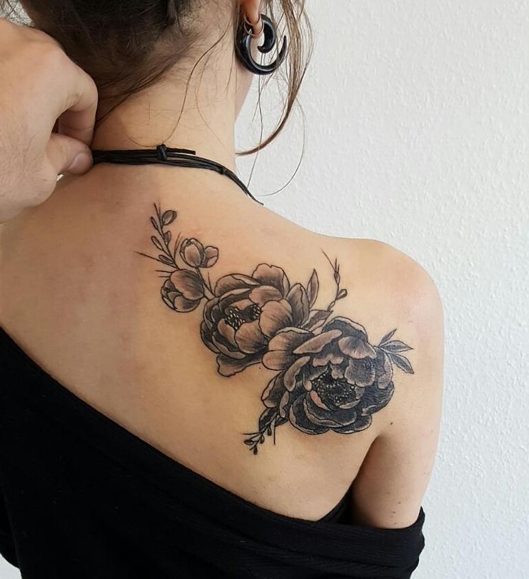 Pfingstrosen Coverup Tattoo