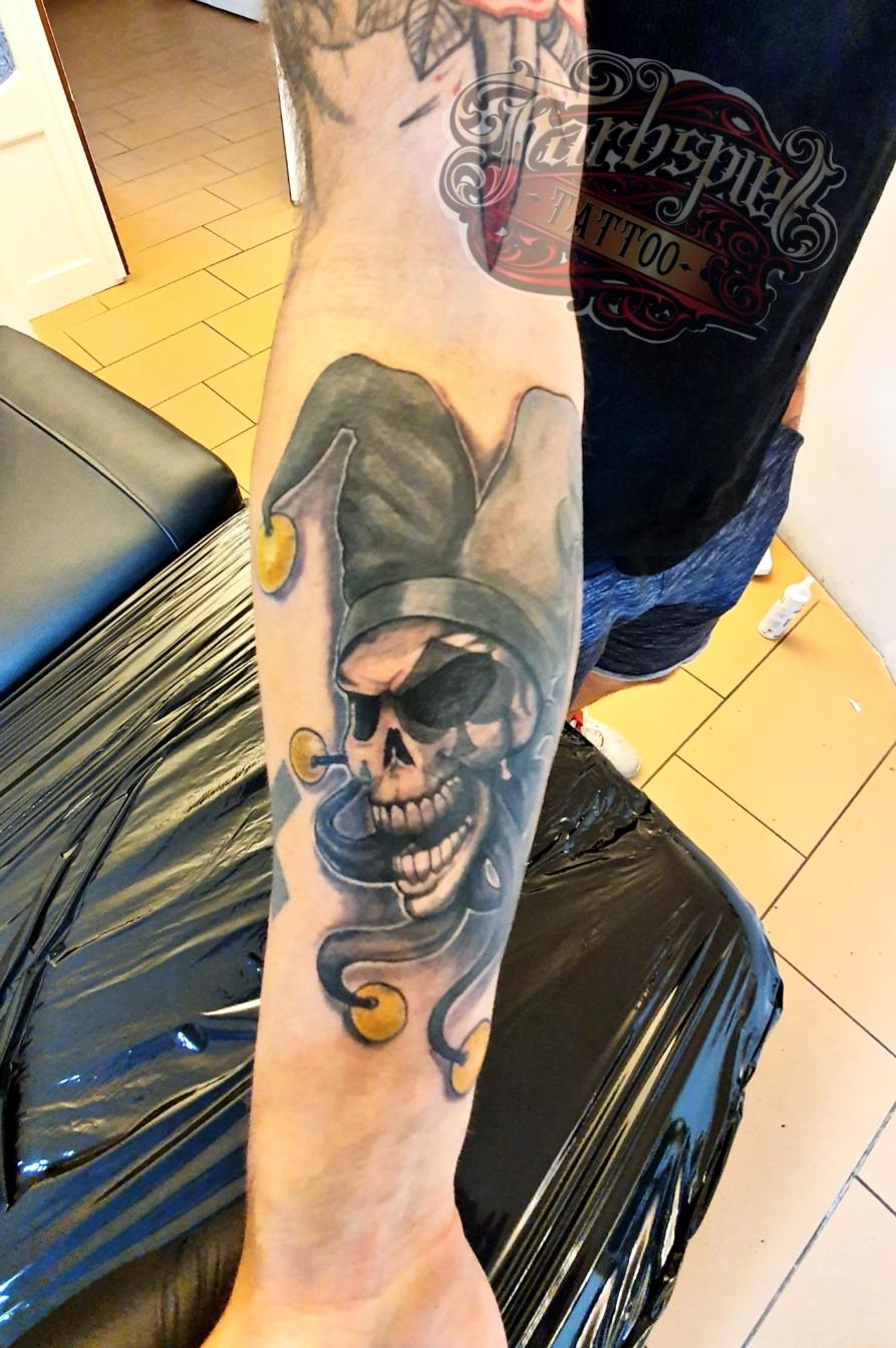 Hofnarr skull tattoo