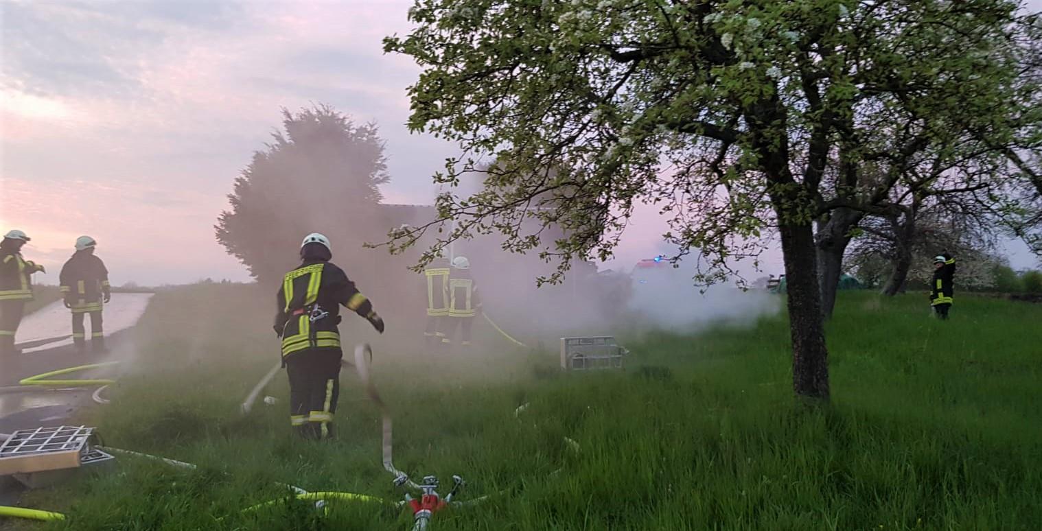 Übung: Brand einer Feldscheune