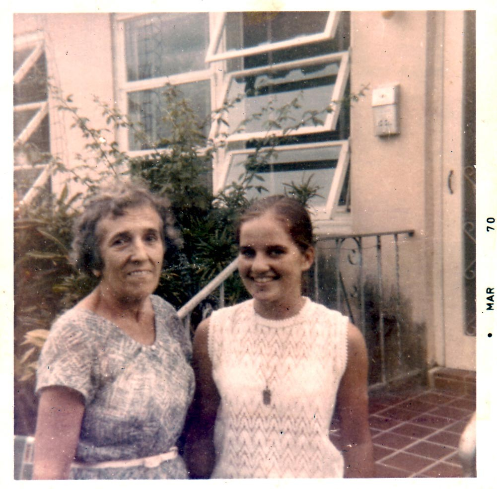 Raissa Kogevin with her goddaughter Tanya Lindeman. Miami, 1970