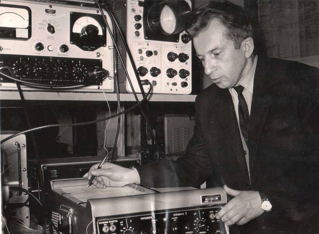 Владимир Кожевин в университетской лаборатории