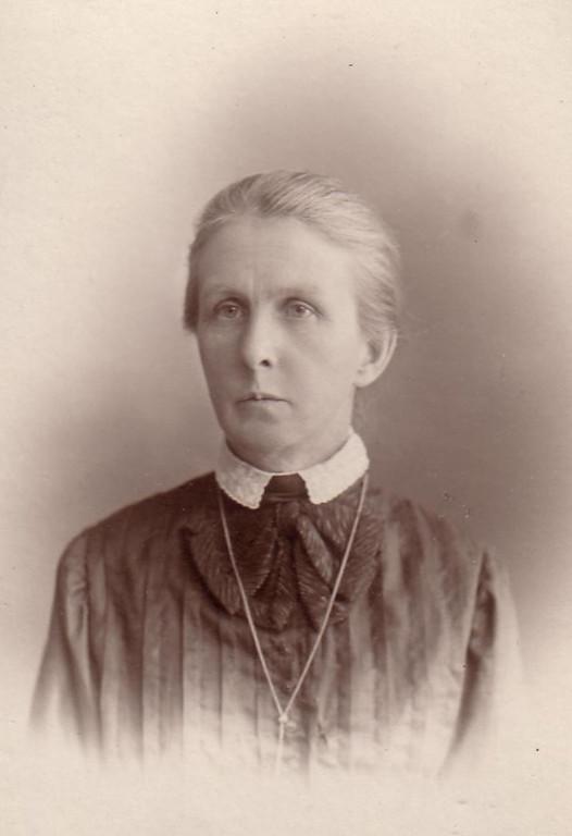 Вера Ильинична Кожевина (Рогова) (26 (13).09.1863 – 03.11.1940).