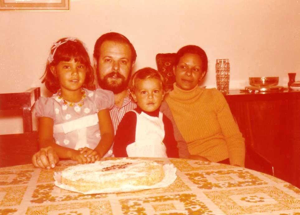 Владимир Николаевич Хитрово с женой Ольгой-Алидой, дочерью Мариной и сыном Александром. Венесуэла, ноябрь, 1973
